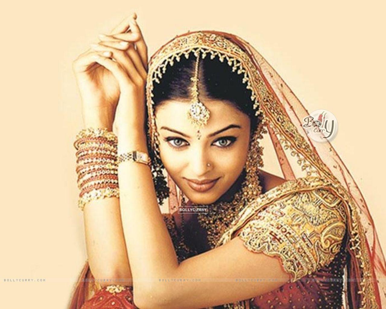 Фото красивых болливудских индийских женщин в эротических фотографиях 17 фотография