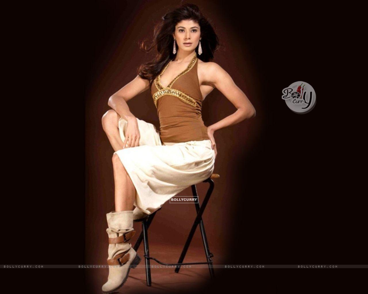 Pooja Batra - Photos Hot