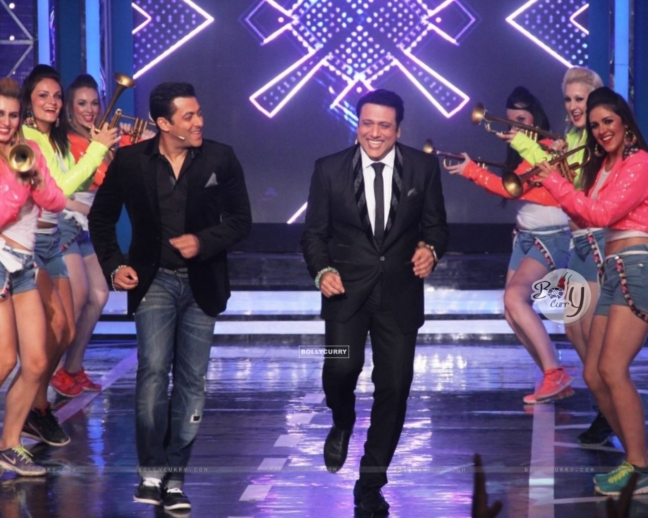 Salman Khan and Govinda shake a leg on Bigg Boss 8 (342924) size:1280x1024