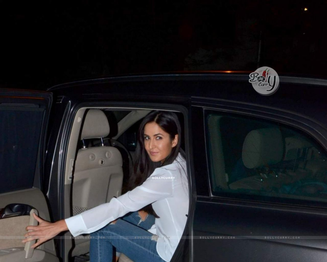 Katrina Kaif Snapped at Bandra (376003) size:1280x1024