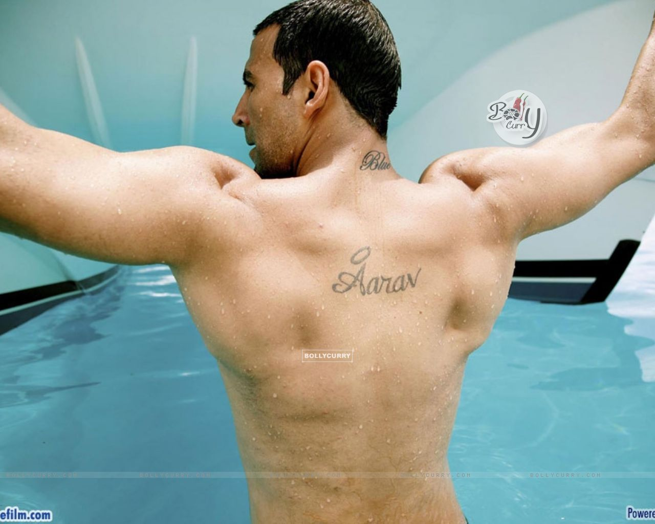 Akshay Kumar showing his body (37771) size:1280x1024