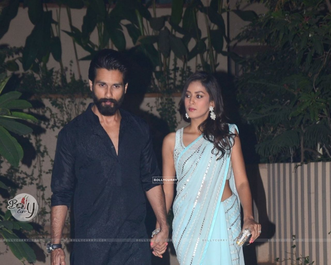 Shahid Kapoor and Mira Rajput Kapoor Snapped (384440) size:1280x1024