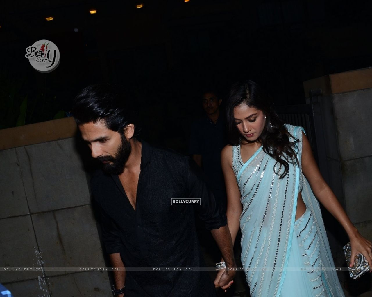 Shahid Kapoor and Mira Rajput Kapoor Snapped (384441) size:1280x1024