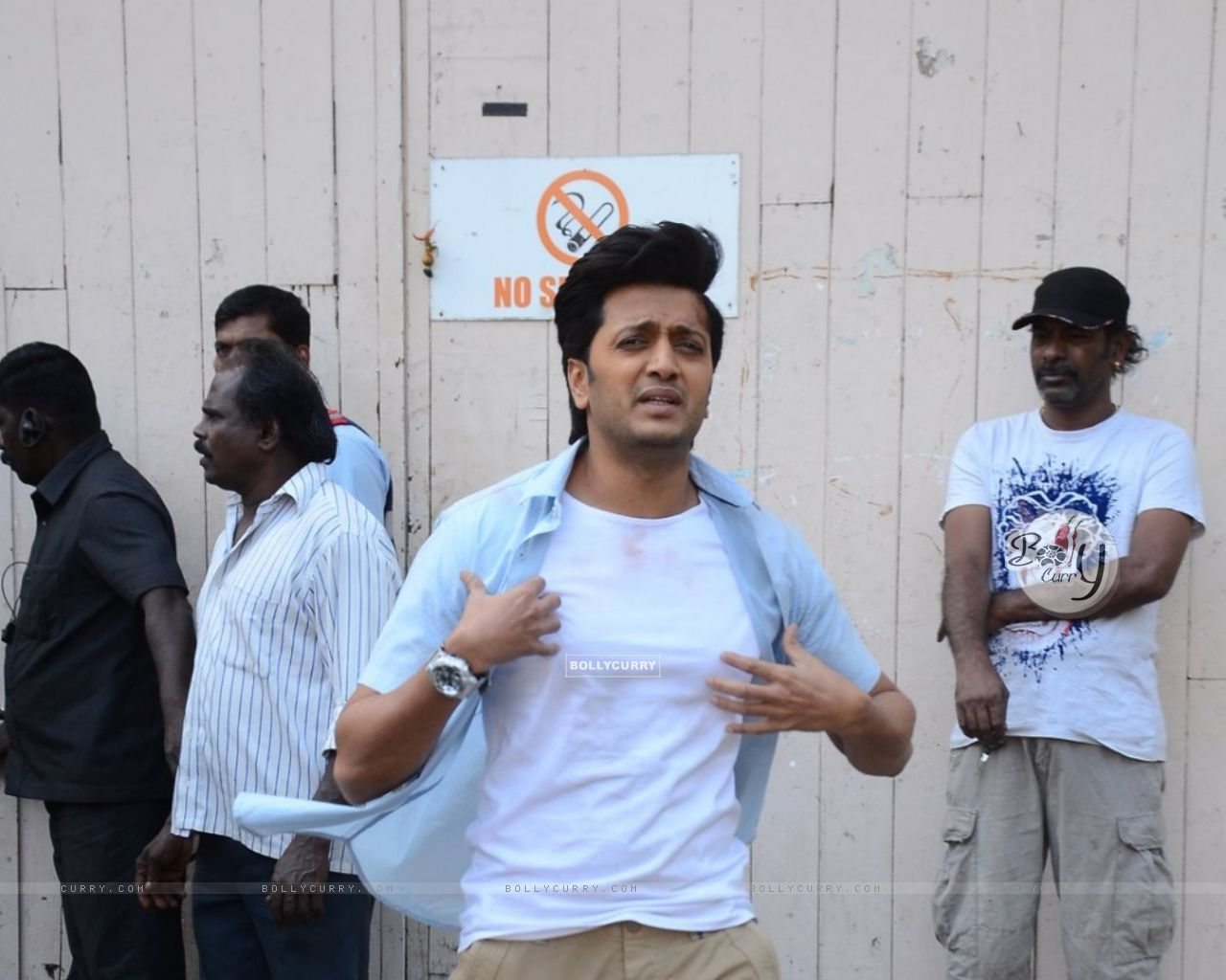 Riteish Deshmukh Snapped on the Sets of Great Grand Masti (385135) size:1280x1024