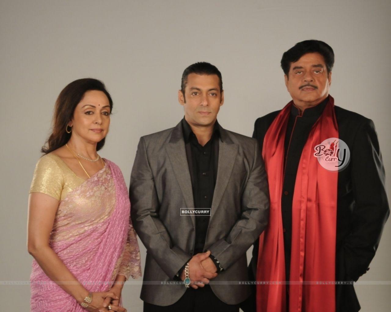 Salman Khan with Hema Malini and Shatrughan Sinha (38558) size:1280x1024
