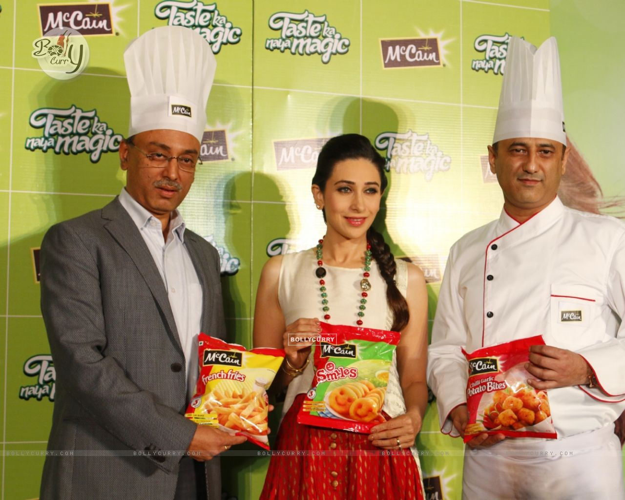 Bollywood Actress Karisma Kapoor at Launch of McCain Food Products (386576) size:1280x1024