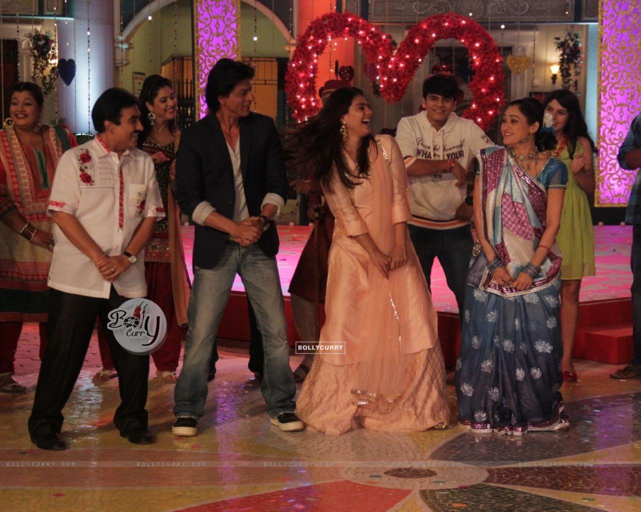 Shah Rukh Khan and Kajol Visits Taarak Mehta Ka Ooltah Chashmah Sets (388112) size:1280x1024