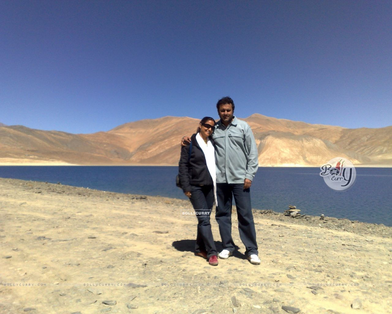 Sanjeev Seth and Lata Seth (38920) size:1280x1024