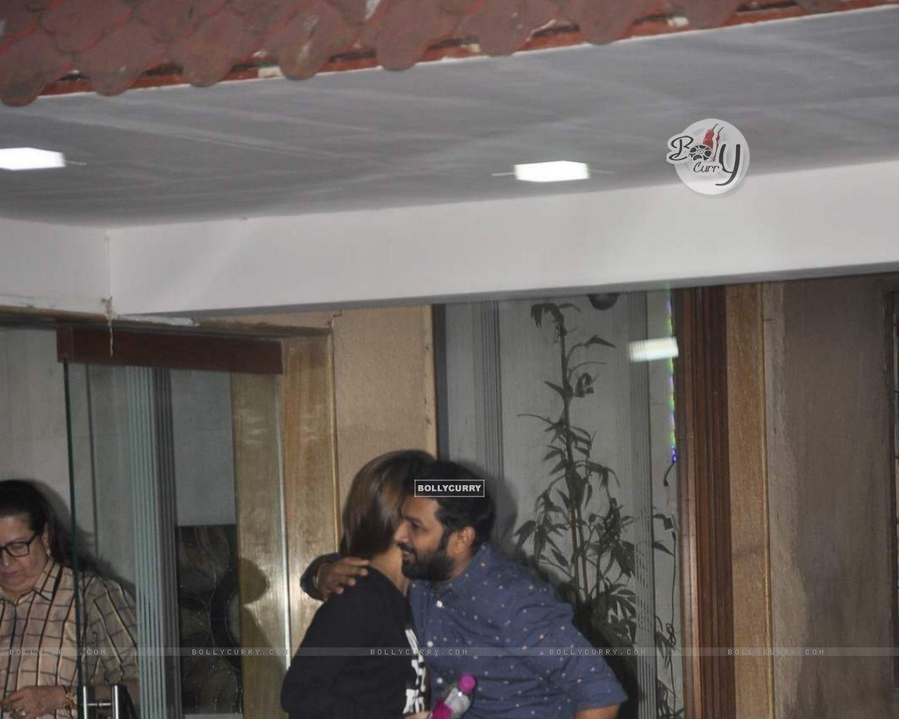 Kareena Kapoor Snapped at Bandra (391417) size:1280x1024