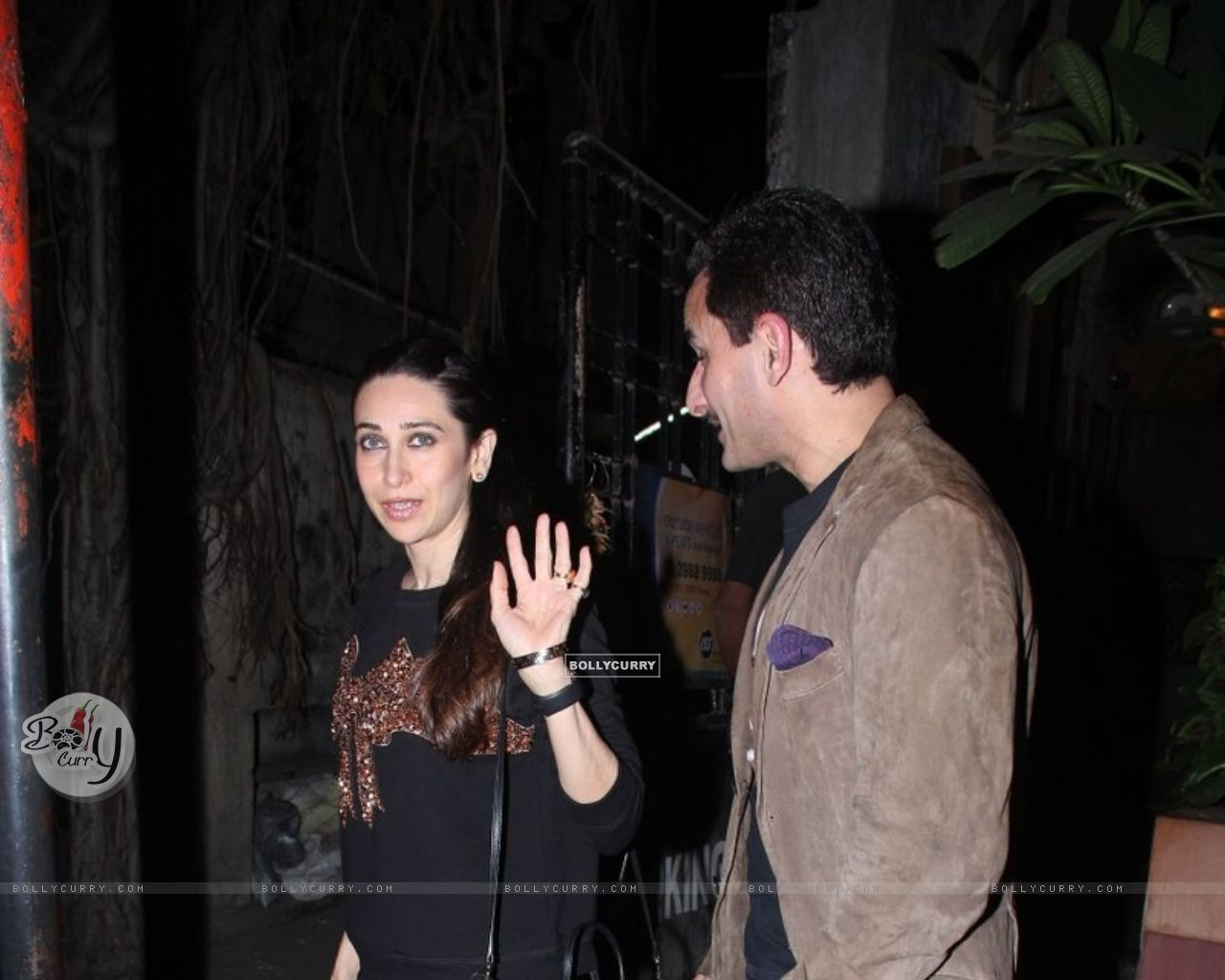 Karisma Kapoor Snapped with Saif Ali Khan (393376) size:1280x1024