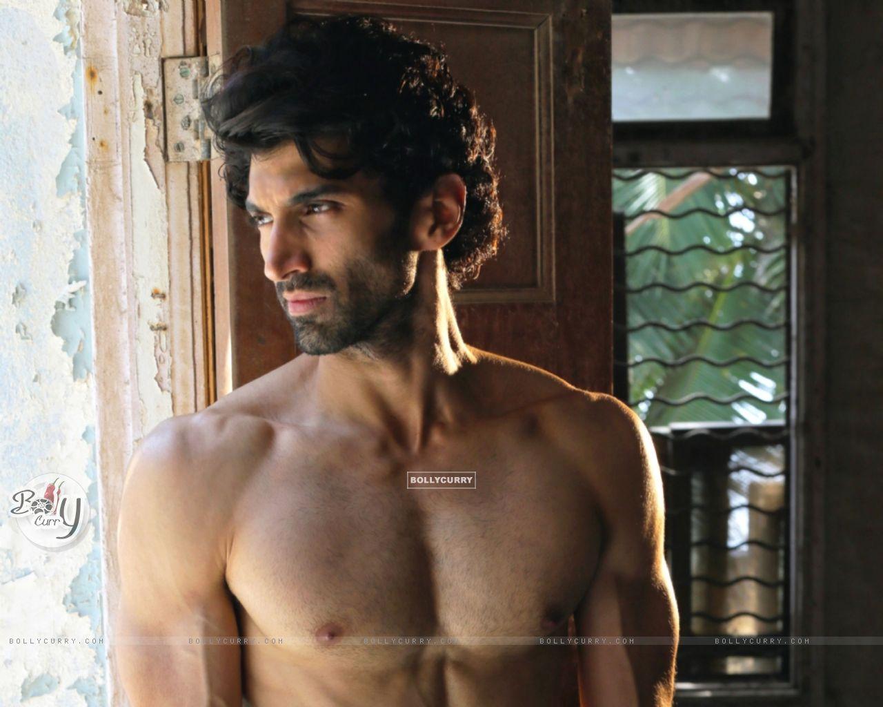 Aditya Roy Kapur in Fitoor (394627) size:1280x1024