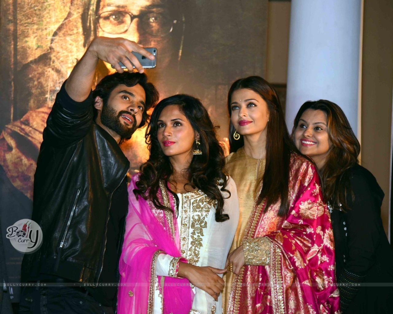 Jackky Bhagnani, Richa and Aishwarya at Poster Launch of 'Sarabjit' (398059) size:1280x1024