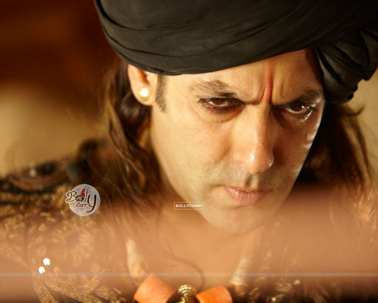 Salman Khan looking angry (39877) size:1280x1024