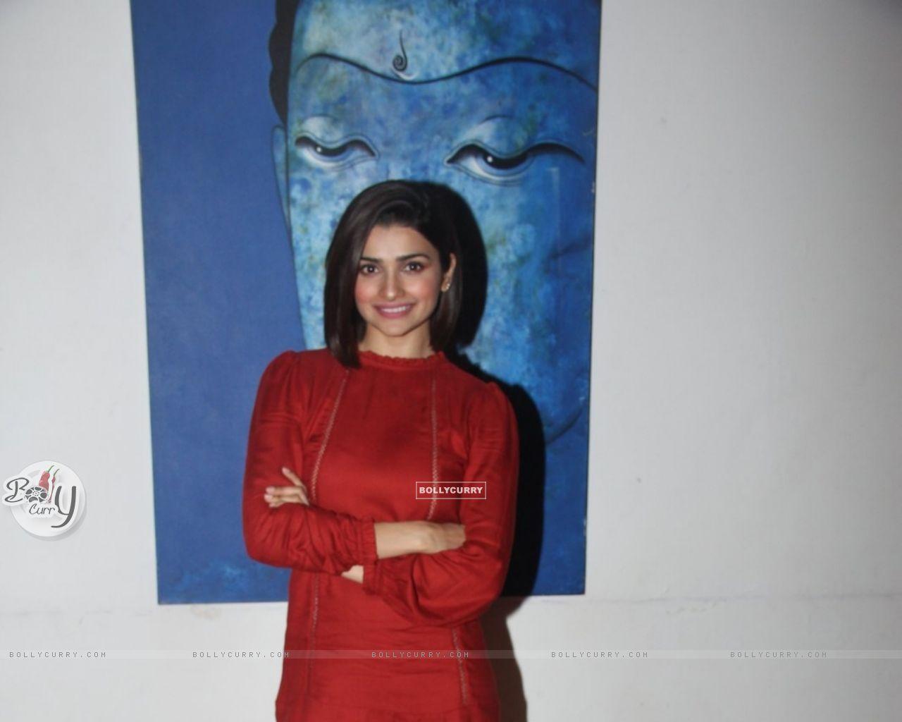 Prachi Desai at Promotions of 'Azhar' (404464) size:1280x1024