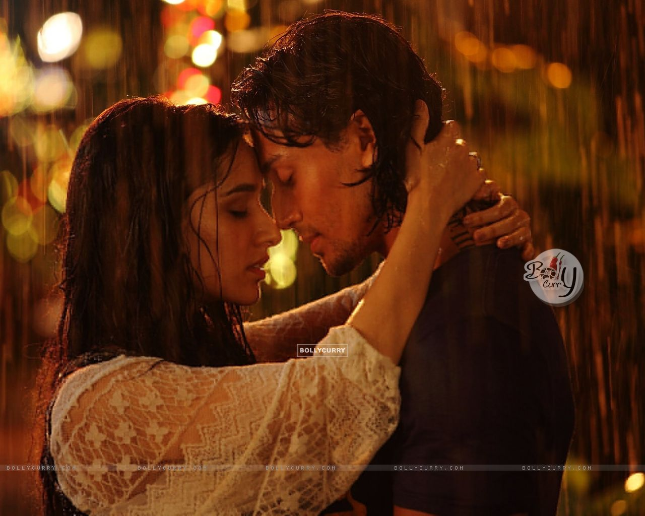 A Still of Shraddha Kapoor and Tiger Shroff from Baaghi (405442) size:1280x1024