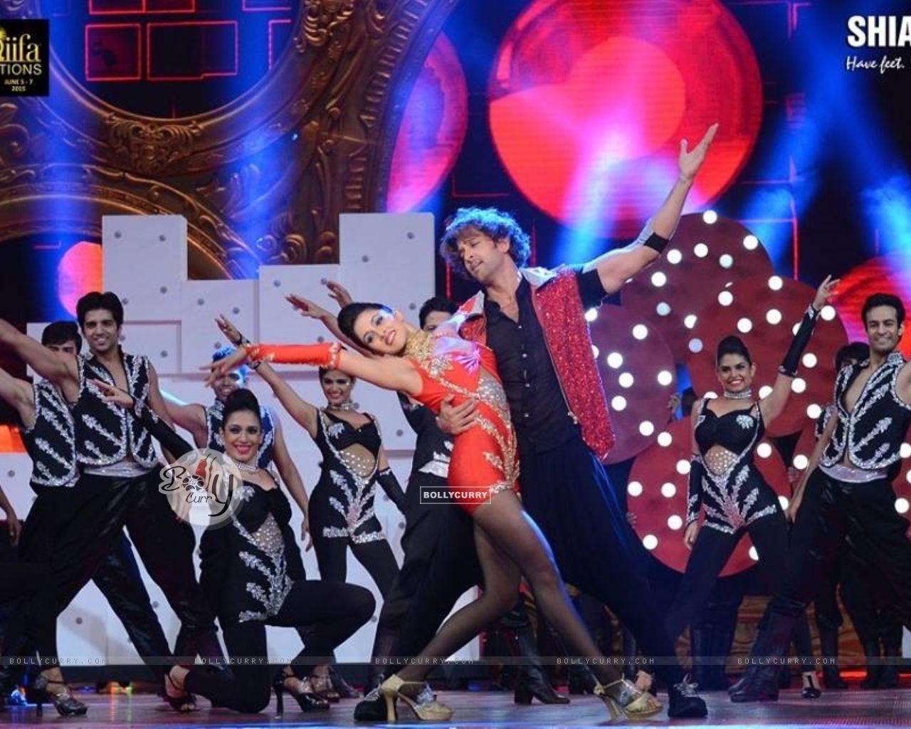 Hrithik Roshan's Dance Choregraphed By Shiamak Davar For