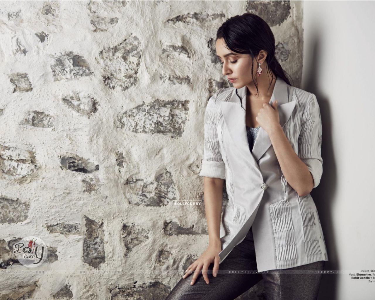 Shraddha Kapoor (410999) size:1280x1024