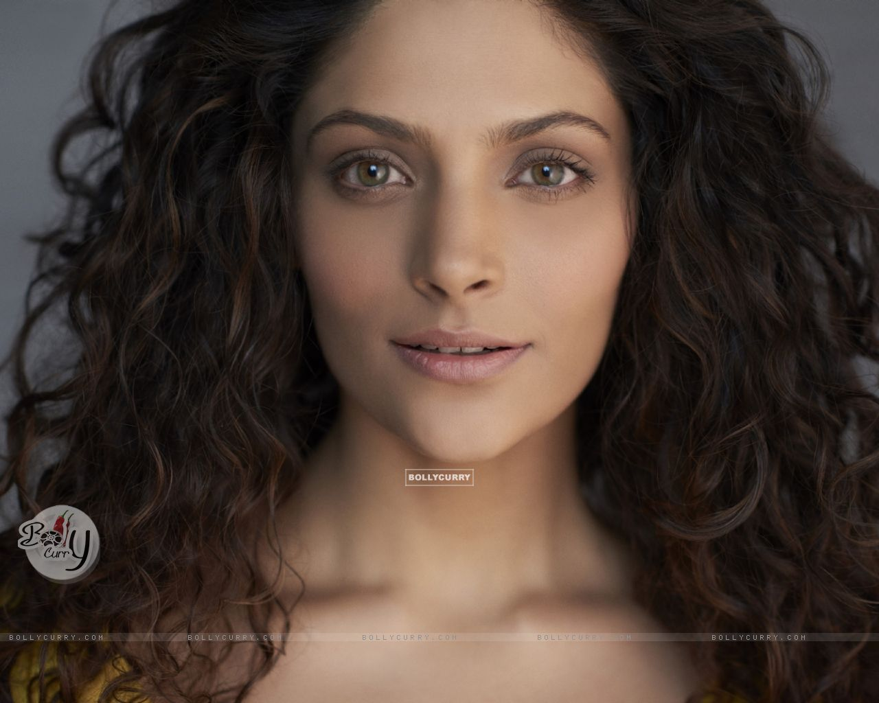 Saiyami Kher (412908) size:1280x1024