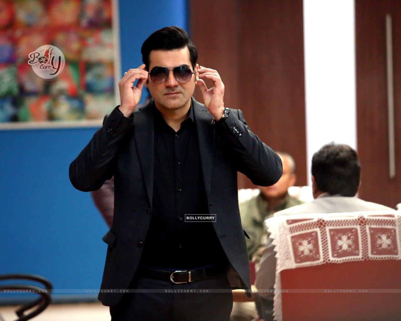 Arbaaz Khan starring Yea Toh Two Much Ho Gayaa (415567) size:1280x1024