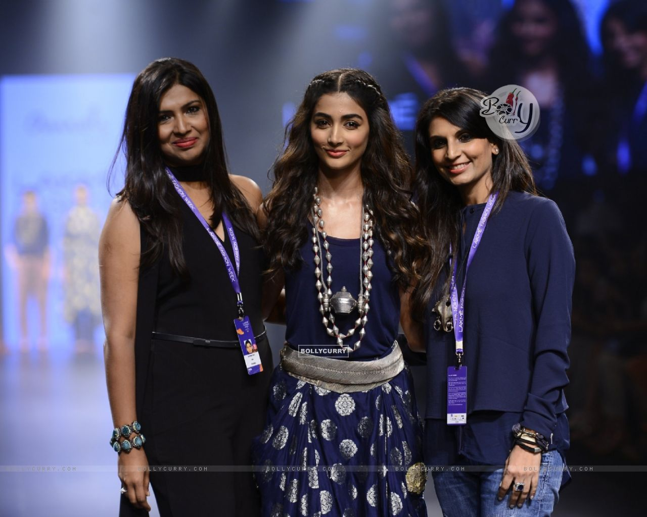 Day 5 - 'The Beautiful' Pooja Hegde walks the ramp at Lakme Fashion Show 2016 (418056) size:1280x1024