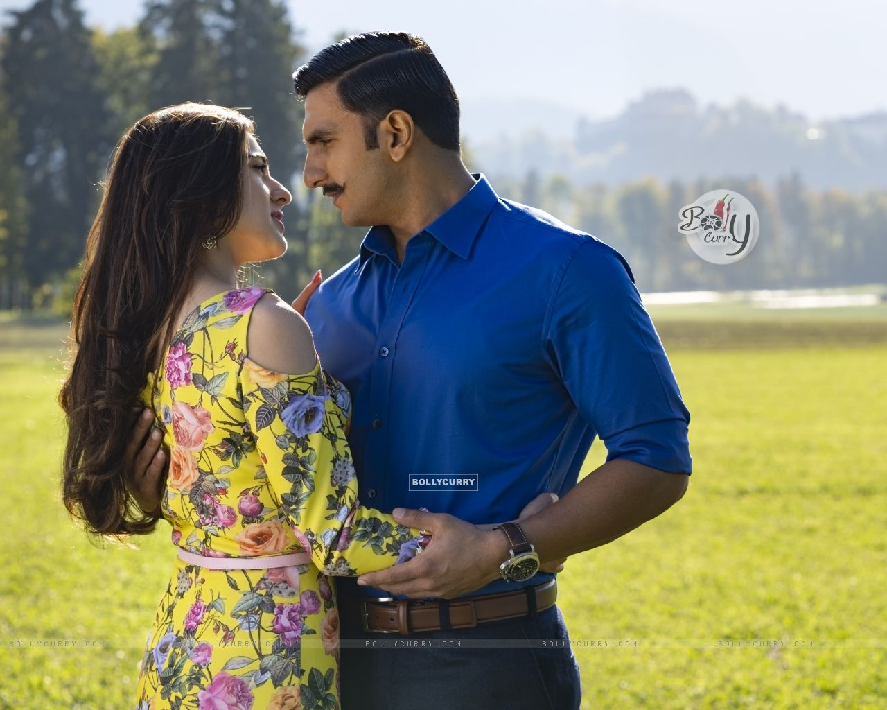Ranveer Singh aka Simmba and Sara Ali Khan aka Shagun Sathe still from Movie Simmba (442758) size:1280x1024