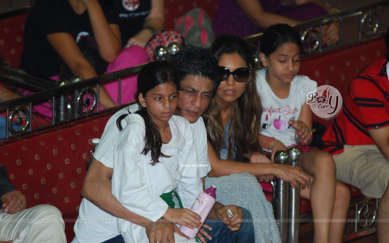 Shahrukh Khan with wife Gauri at 6th National Taekwondo Competition ...