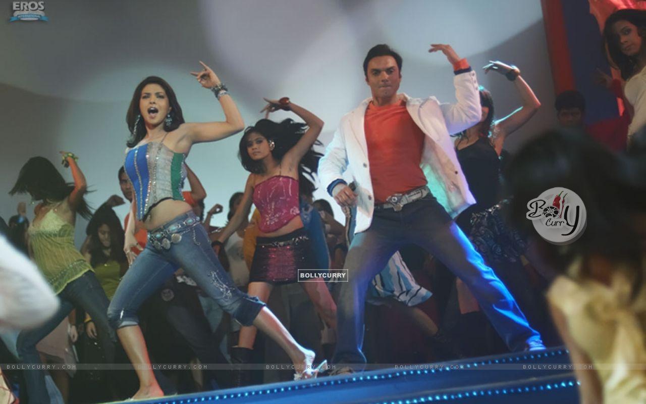 Sohail and priyanka dancing on the dance floor priyanka for 1 2 3 4 get on the dance floor mp3