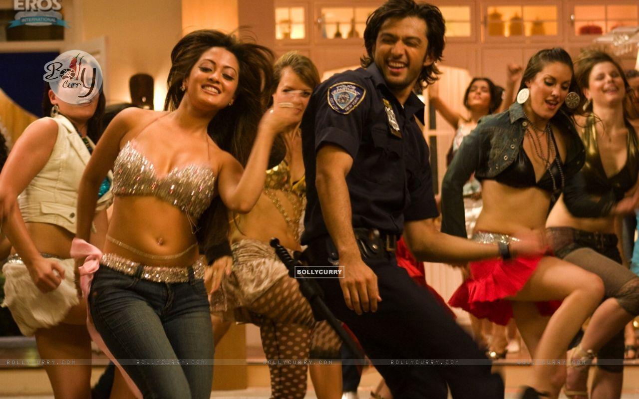 Vatsal and Riya in the movie Heroes | Vatsal Sheth Photo ...