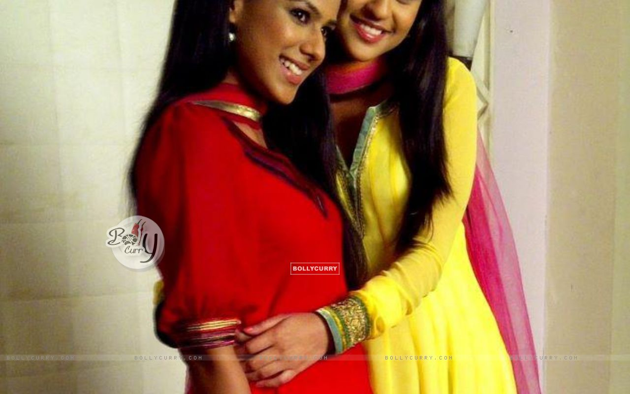 Nia And Krystle As Jeevika And Maanvi  164704  Size 1280x800