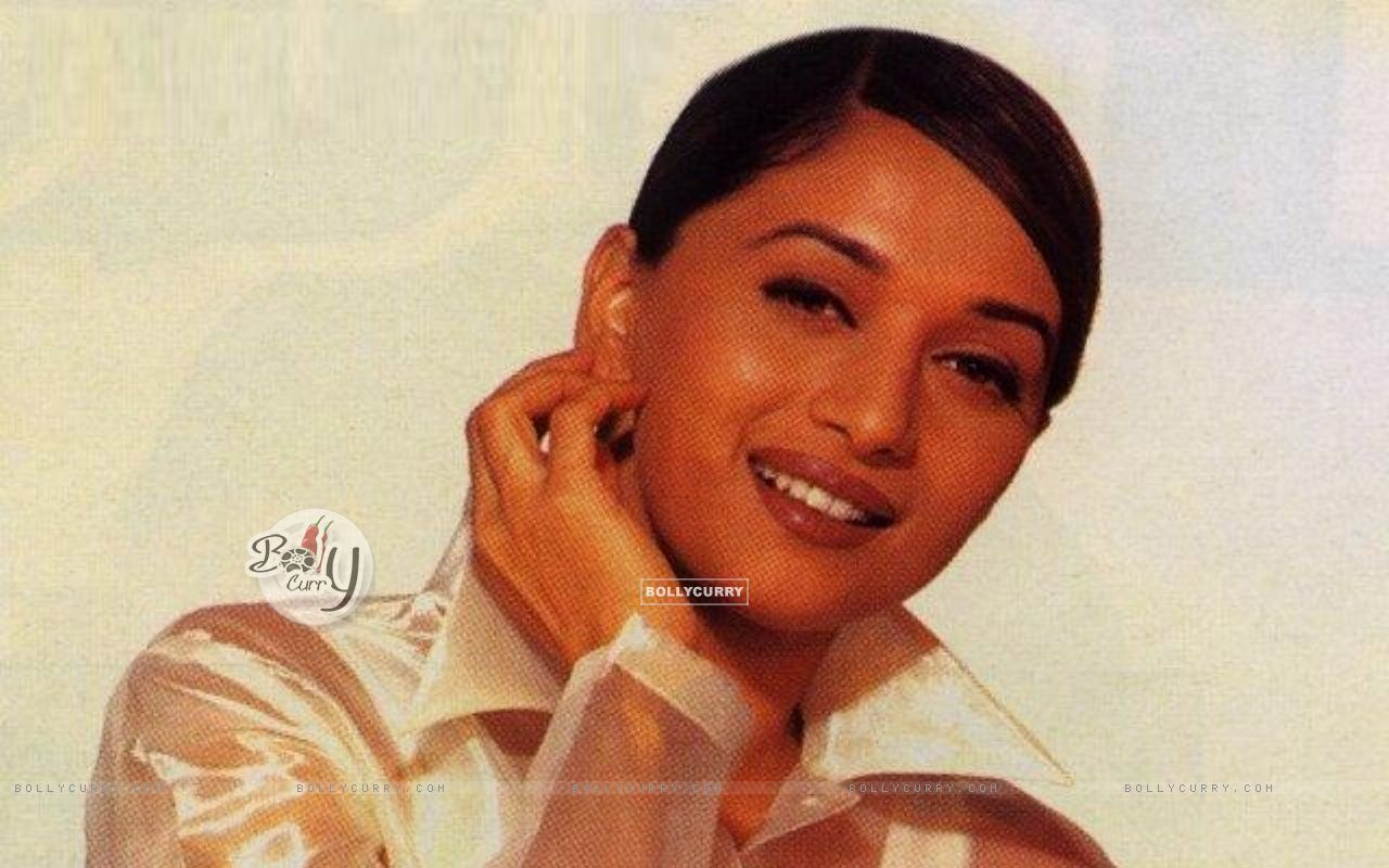Madhuri Dixit - Beautiful HD Wallpapers