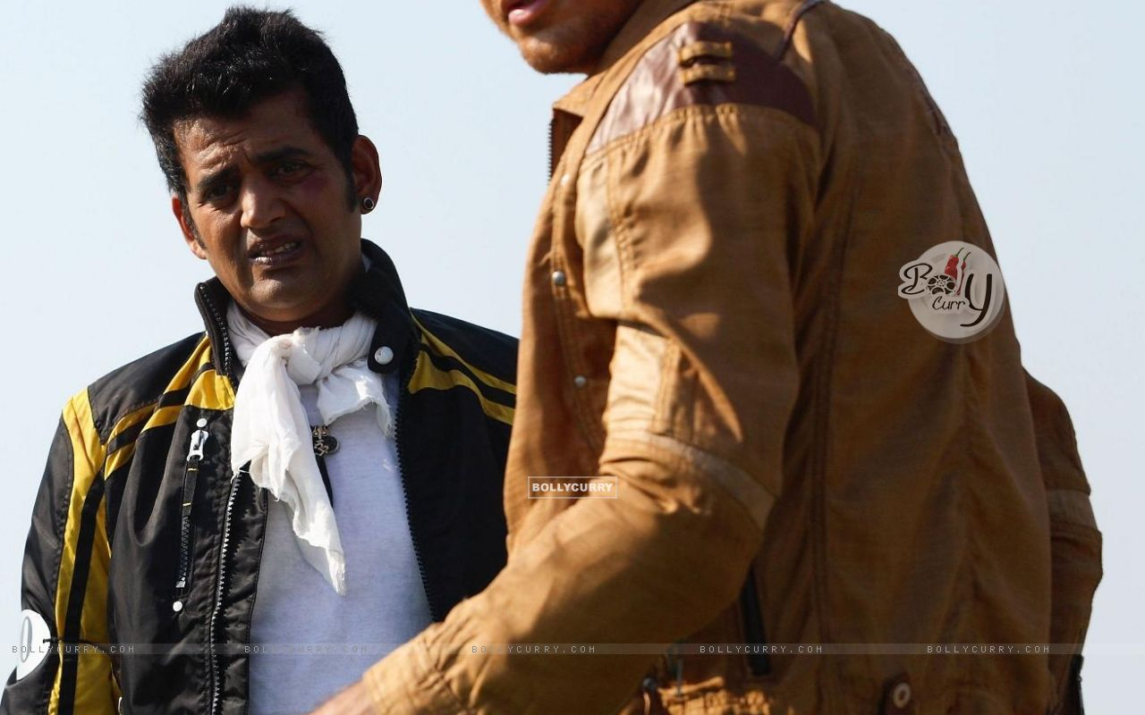 Imran Khan and Ravi Kissan in Luck movie (20292) size:1280x800