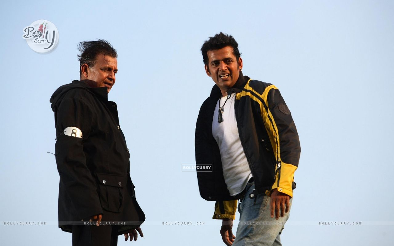 Mithun and Ravi looking relaxed (20294) size:1280x800