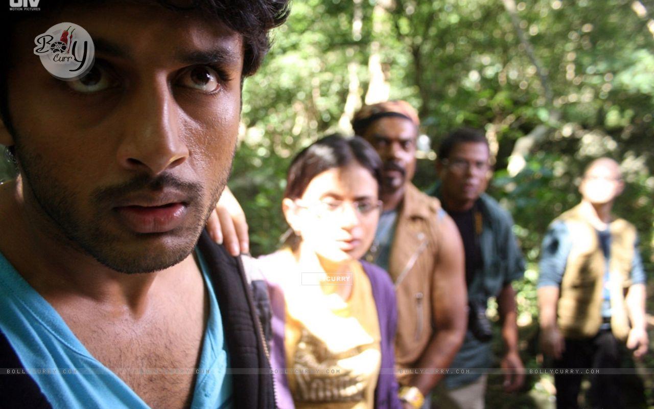 Nitin,Rasika,Kali and Ravi looking shocked (20384) size:1280x800