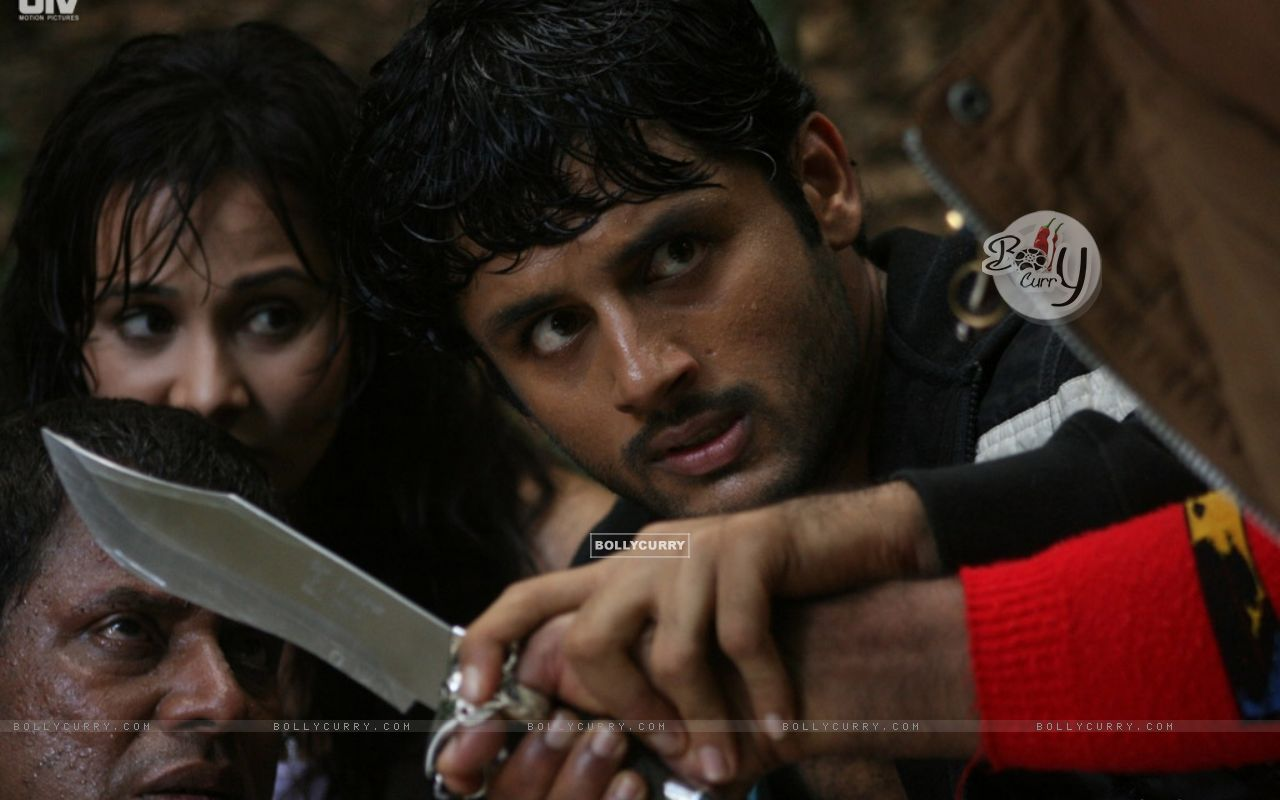 A still scene from the movie Agyaat (20392) size:1280x800