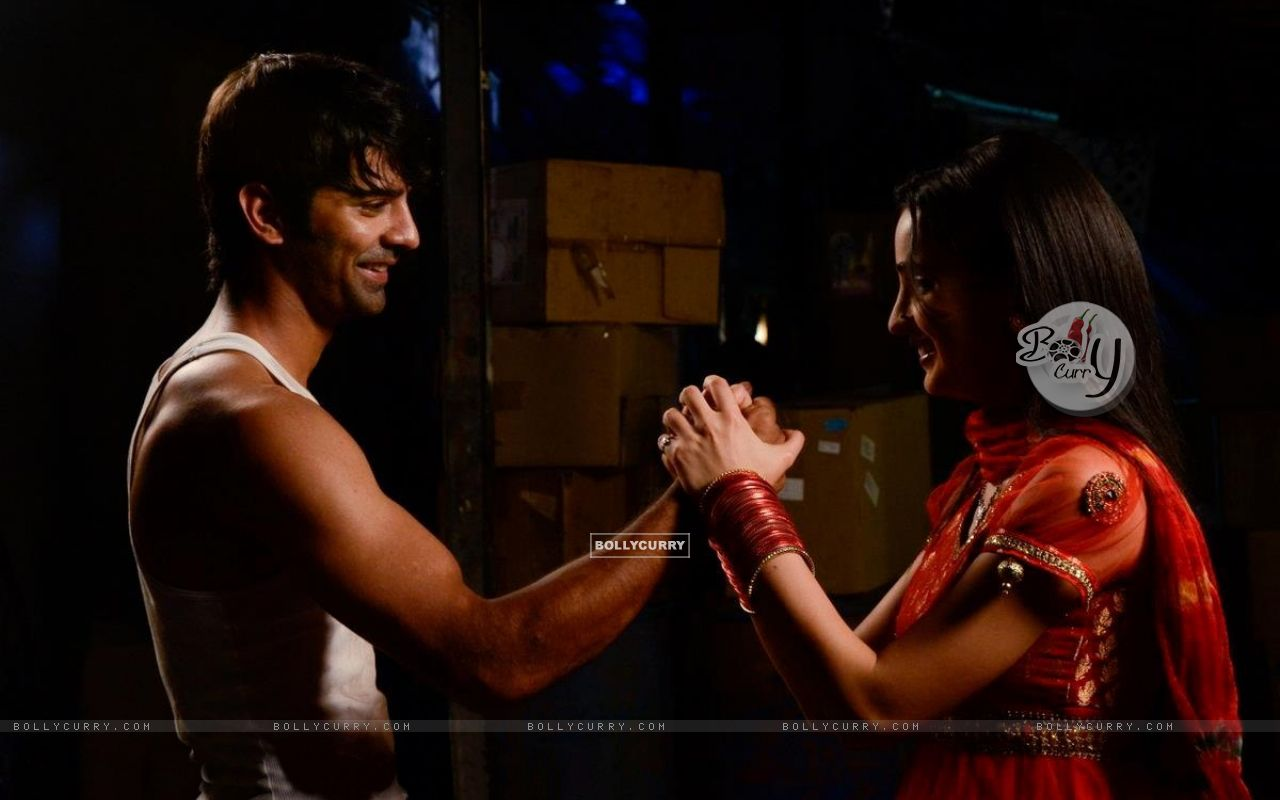 sanaya dating Sanaya and mohit's wedding album a few days after asin's big fat wedding, television actors sanaya irani and mohit sehgal took the plunge on january 25 the couple, who have been dating for more than five years, had met on the sets of miley jab hum tum they got married in goa, and their friends.