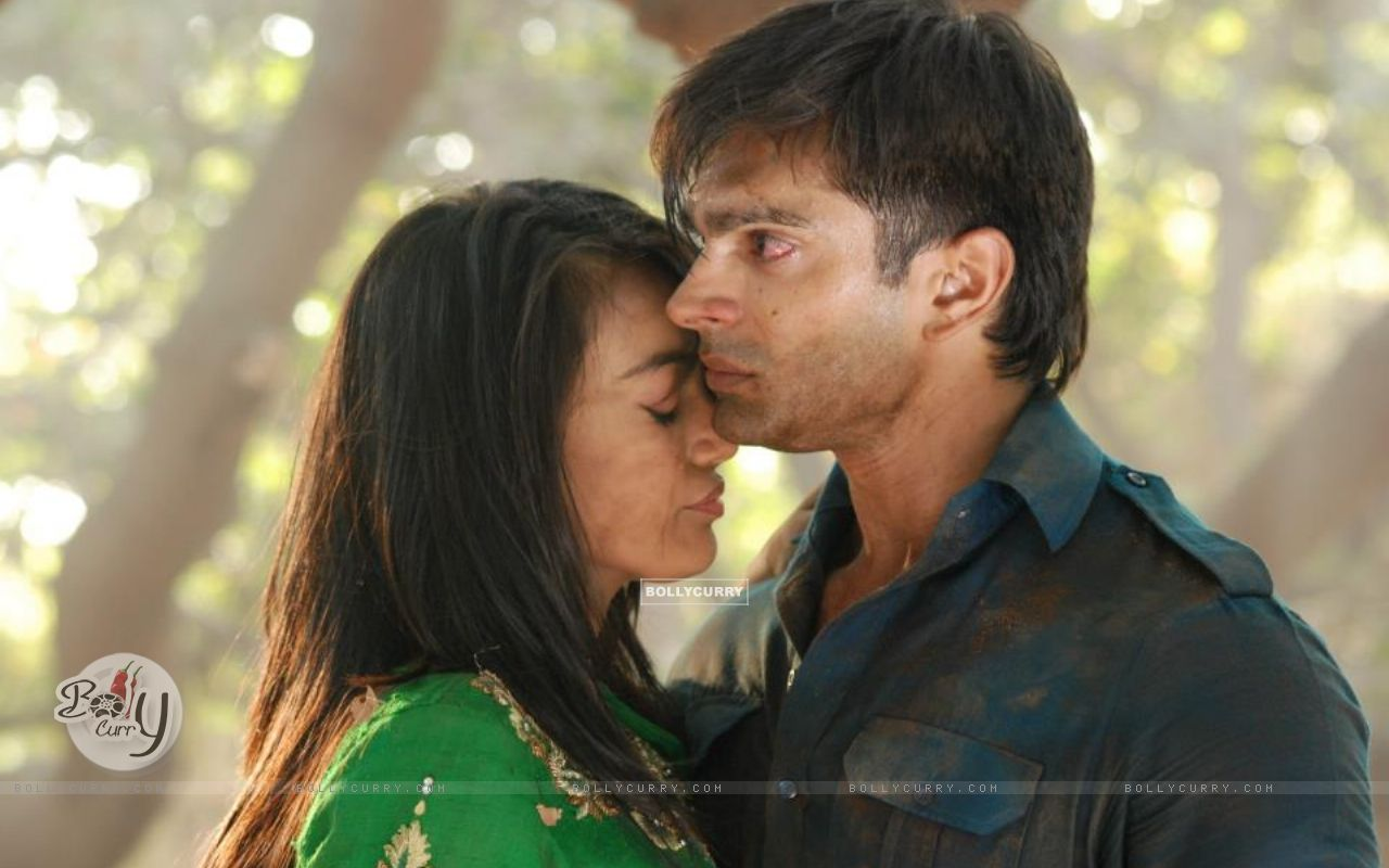 http://img.bollycurry.com/wallpapers/1280x800/286493-asad-and-zoya.jpg