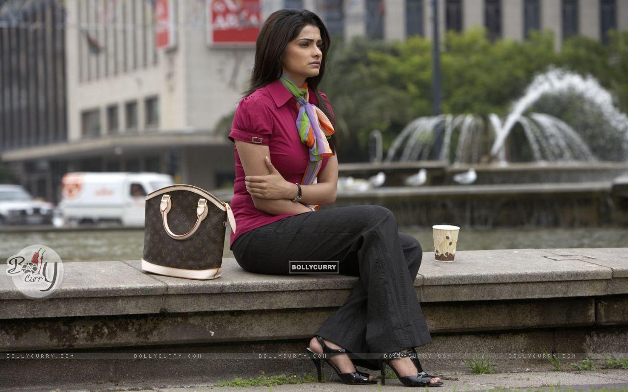Prachi Desai Hot: Prachi Desai Hot: Prachi Desai Hot: Prachi Desai looking confused ...