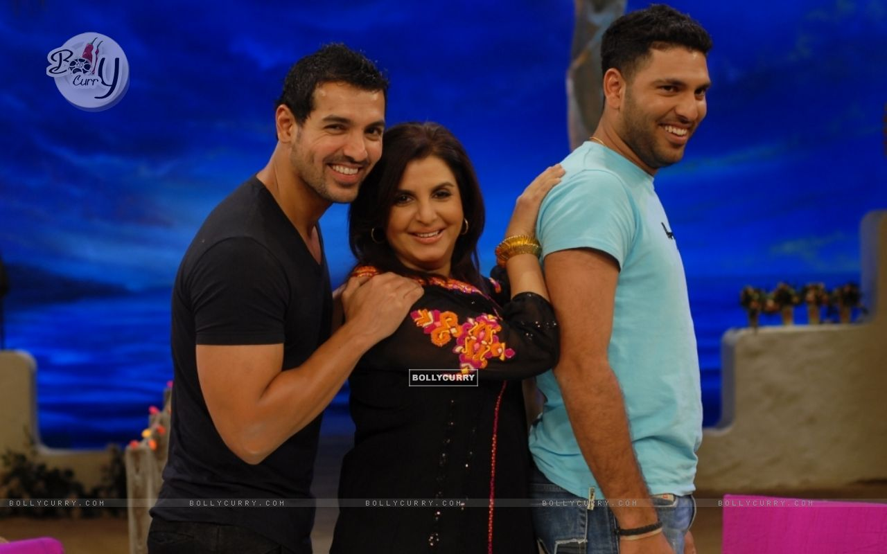 John Abraham and Yuvraj Singh with Farah Khan (38553) size:1280x800