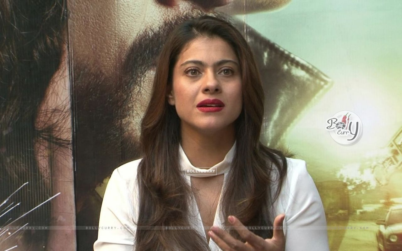 Kajol Snapped During 'Dilwale' Interview (387356) size:1280x800