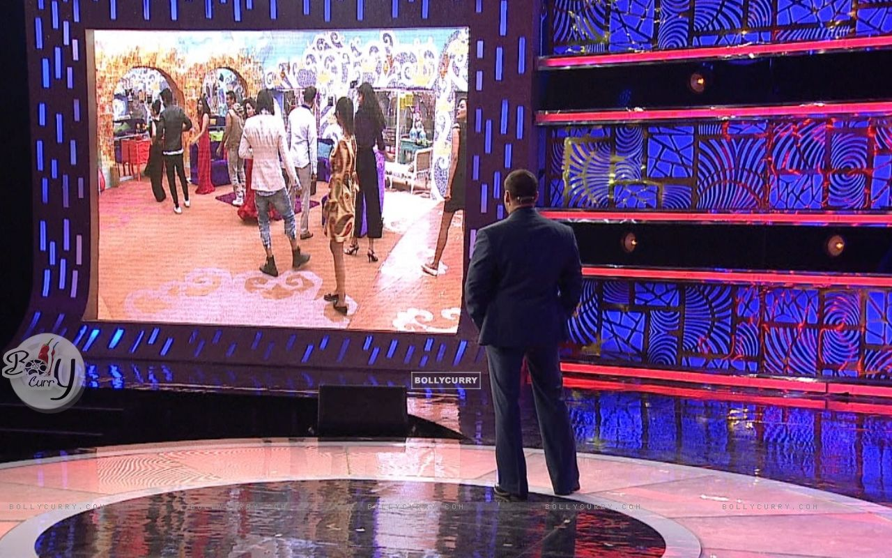 Bigg Boss 9 Nau: Day 77 - Salman Khan Watches BB9 contestants (389471) size:1280x800