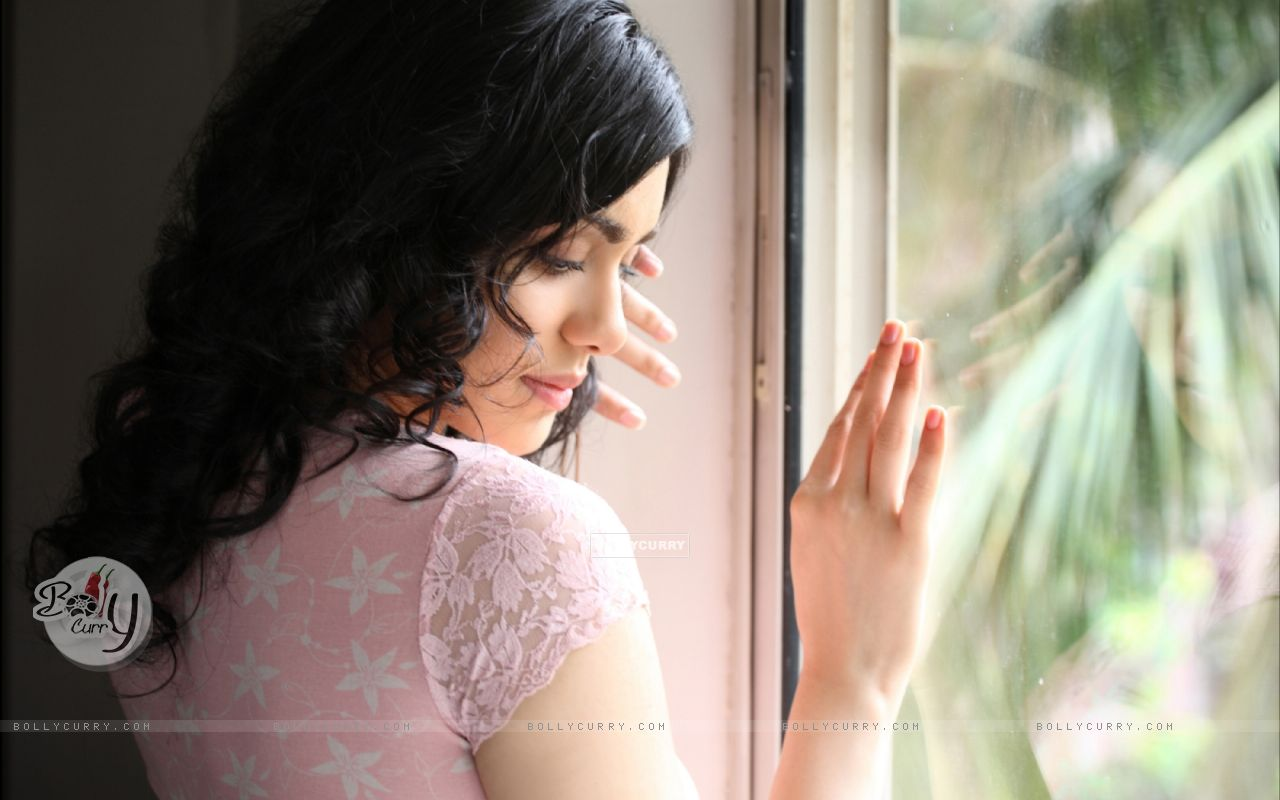 Adah Sharma - Wallpaper Image