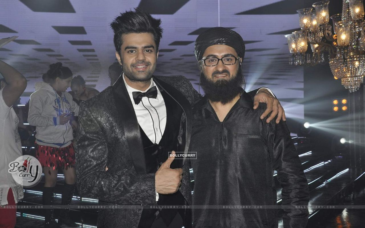 Manish Paul and Pradhuman Singh on Locations of Tere Bin Laden Dead or Alive (392779) size:1280x800