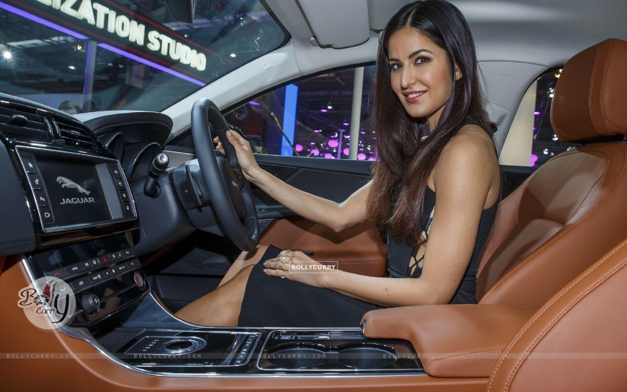 Katrina Kaif at Jaguar's Launch at Auto Expo 2016 (394423) size:1280x800