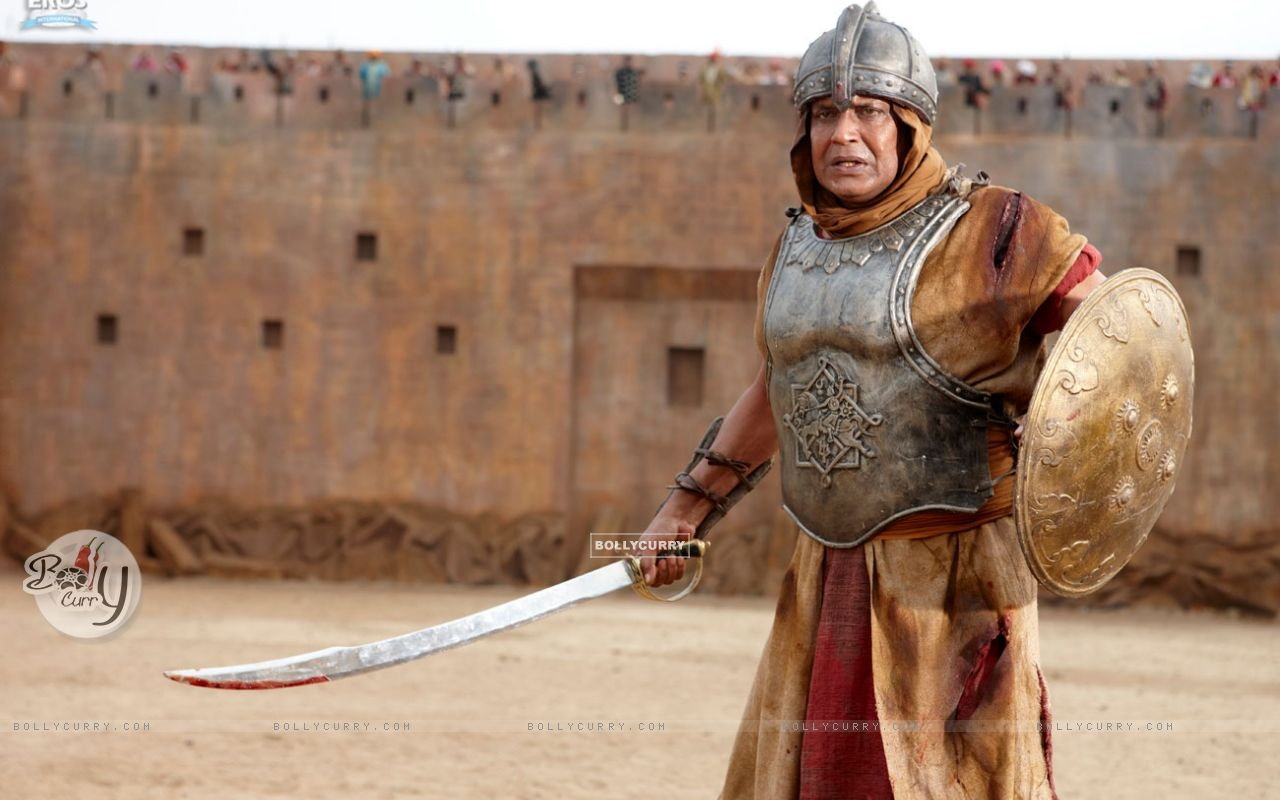 Mithun Chakraborty with sword and shield (39865) size:1280x800