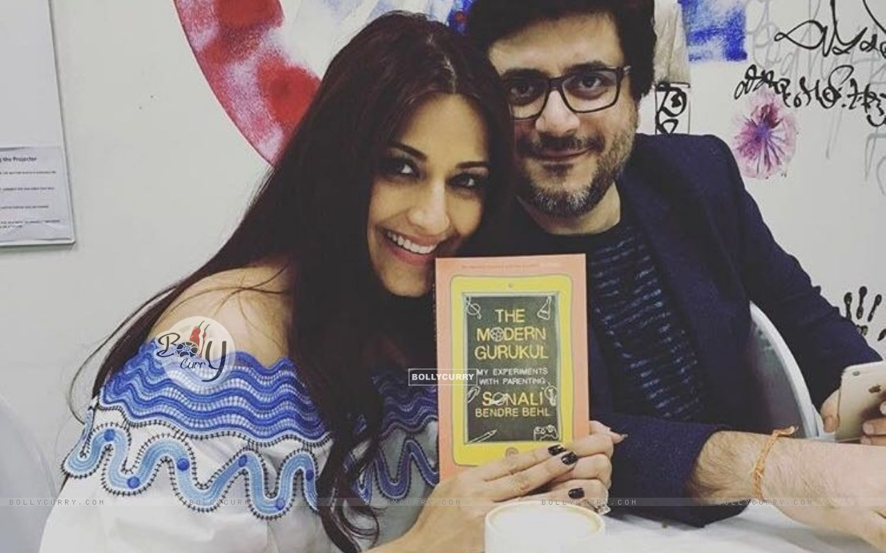 Sonali Bendre and Goldie Behl at Launch of 'The Modern Gurukul' (398784) size:1280x800