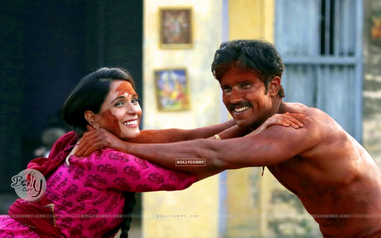Richa Chadda and Randeep Hooda plays 'Mud Holi' on sets of Sarabjit (401091) size:1280x800