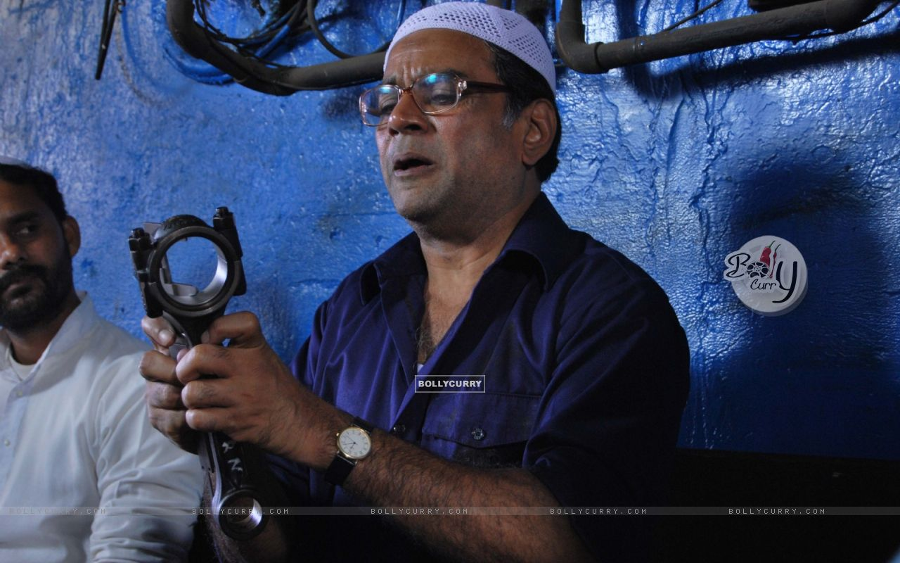 Paresh Rawal in the movie Road to Sangam (40191) size:1280x800