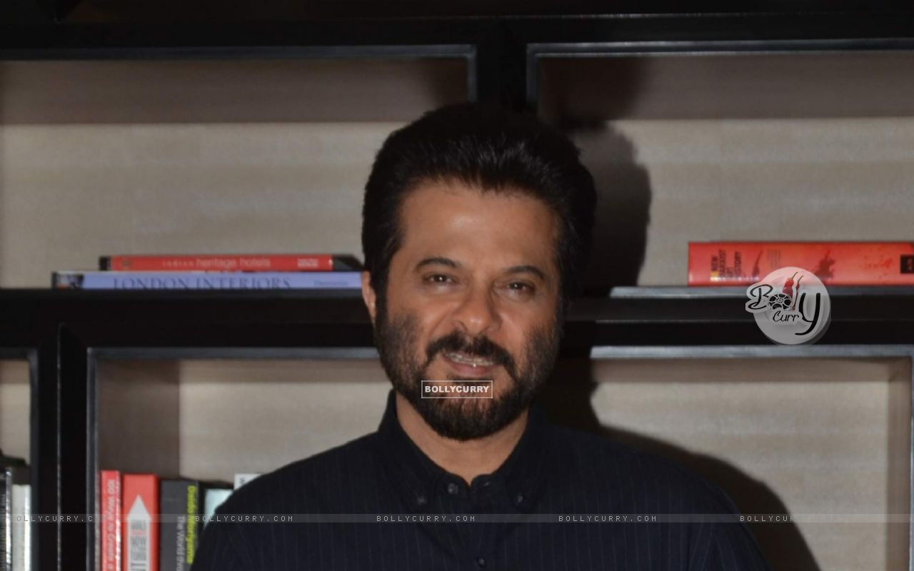 Anil Kapoor Snapped (403602) size:1280x800