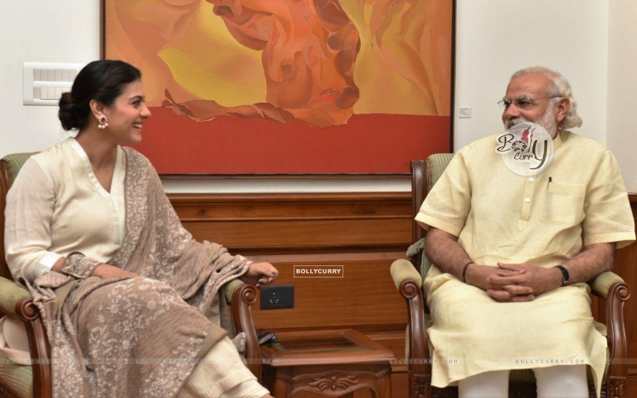 Kajol meets PM. Narendra Modi (406428) size:1280x800