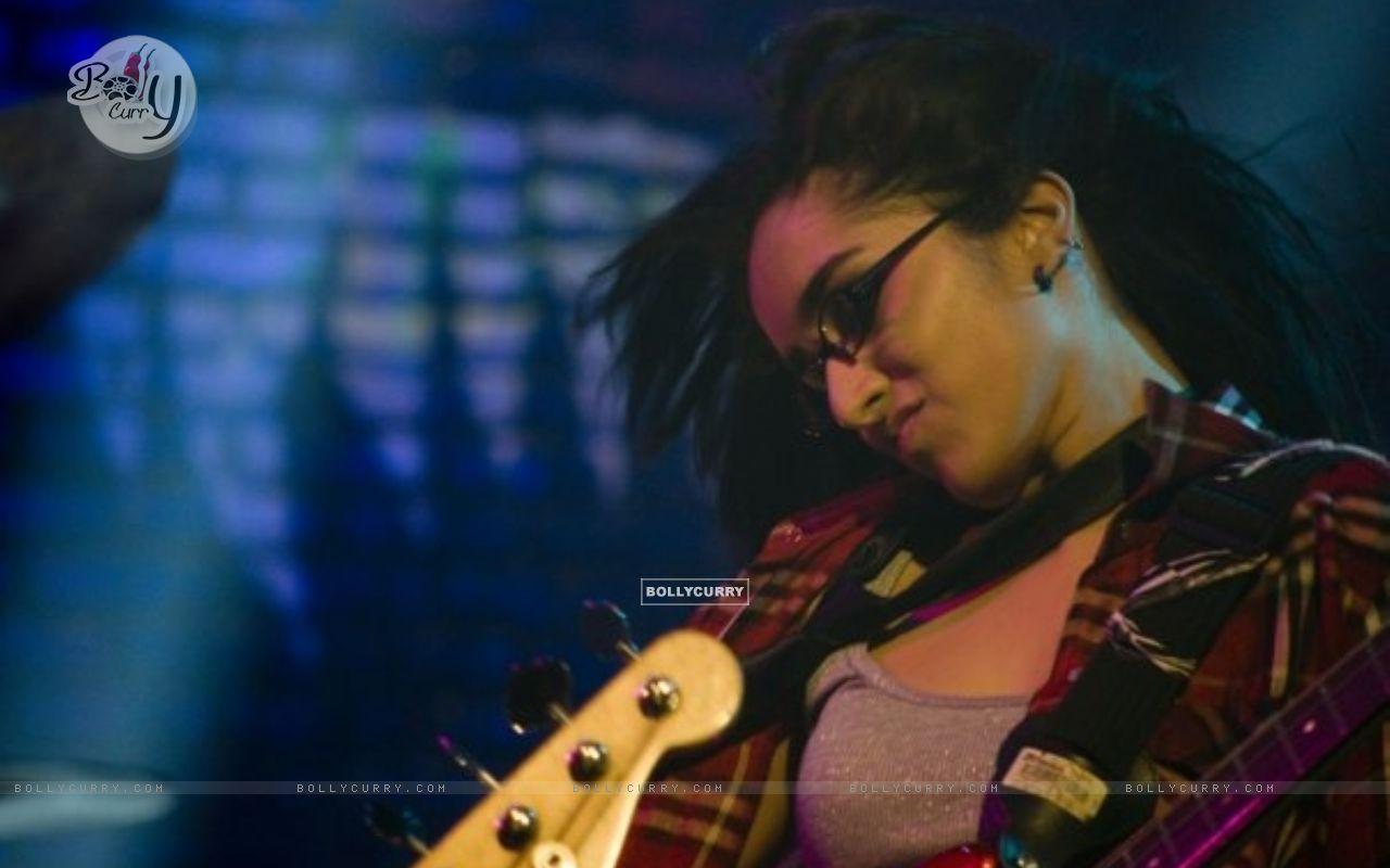 Shraddha Kapoor in the movie Teen Patti (41315) size:1280x800